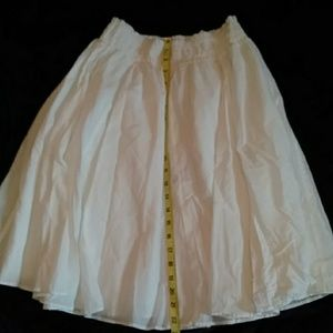 Banana Republic White Flowy Skirt